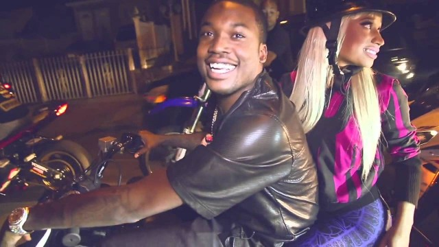 "Meek Had Nicki On That Bike Life In The Hood! (""I Be On That"" Behind The Scenes)"
